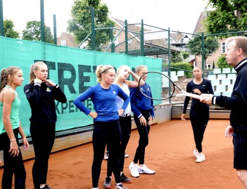 Video: Efterlängtad lägersamling för flickor i Båstad